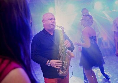 dj-wodzirej-dekoracje-swiatlem-saksofon-bydgoszcz-art-and-show-099