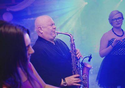dj-wodzirej-dekoracje-swiatlem-saksofon-bydgoszcz-art-and-show-100