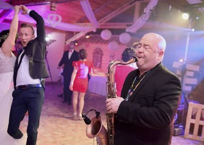 dj-wodzirej-dekoracje-swiatlem-saksofon-bydgoszcz-art-and-show-109