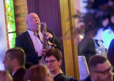 dj-wodzirej-dekoracje-swiatlem-saksofon-bydgoszcz-art-and-show-137